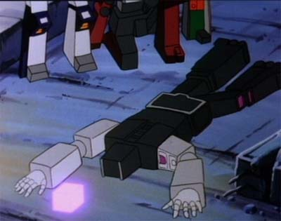 "Soundwave, Yield, and Salvage Watch Motormaster Meet His Fate (from ""Five Faces of Darkness"" part 1)"